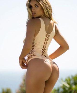 sale retailer ab32a 2e954 Foto Hot Suelyn Medeiros modella e attrice