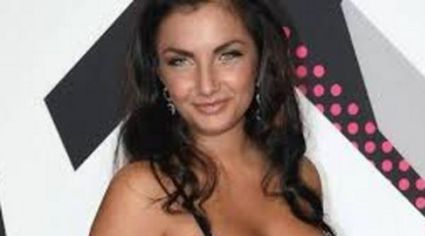 Elettra Lamborghini dice no al trono lesbo di Uomini e donne e di Gemma Galgani dice